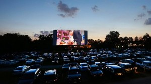 561098-drive-in