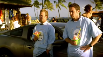hawaii-5-O-eating-shave-ice