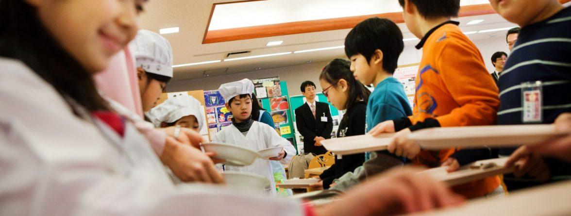 school-lunch-in-asian