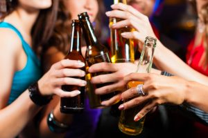 635895271034359792526201530_drinking
