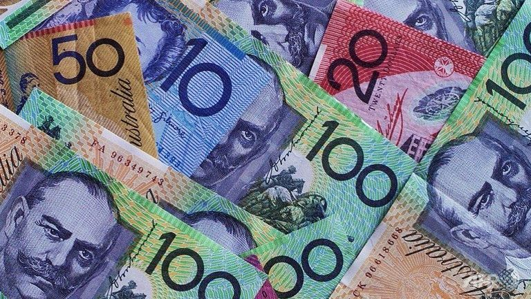 australian-dollar-notes-of-various-denominations-seen-on-display