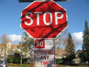 funny-road-signs-no-stopping