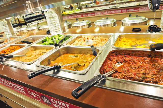 Whole-Foods-Market-maui-hawaii-restaurant-by-sean-hower