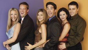 FRIENDS -- Pictured: (l-r) Lisa Kudrow as Phoebe Buffay, Matthew Perry as Chandler Bing, Jennifer Aniston as Rachel Green, David Schwimmer as Ross Geller, Courteney Cox as Monica Geller, Matt Le Blanc as Joey Tribbiani -- Photo by: David Bjerke/NBCU Photo Bank